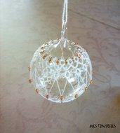 Pallina natalizia in vetro soffiato e pizzo chiacchierino PV7B3C
