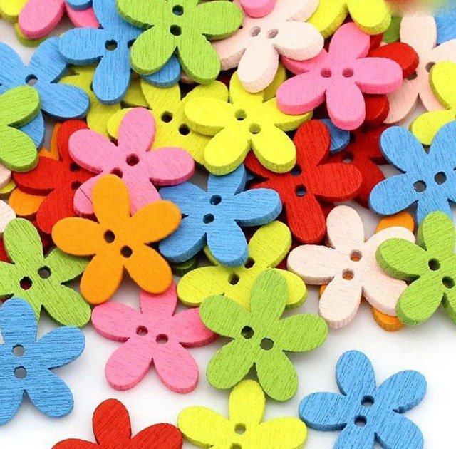 10 bottoni colorati in legno a forma di fiore