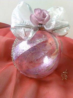 sfere natalizie realizzate a mano