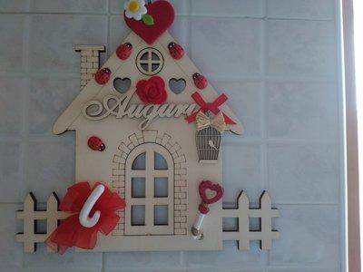Decorazioni.Addobbi Natale in legno con gessetti cuore  fiori coccinelle
