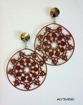 Orecchini Tondi in pizzo chiacchierino Mocha Brown Med. con Swaroski Crystal Bronze Shade F.