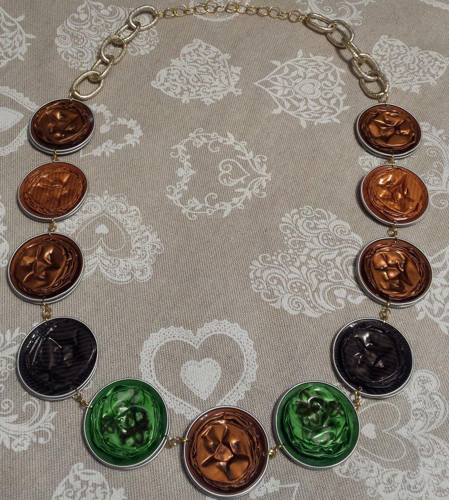 Collana capsule caffè marroni e verdi