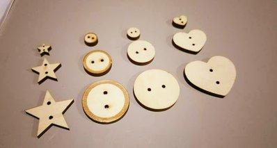 set bottoni in legno decorativi - 18 pezzi
