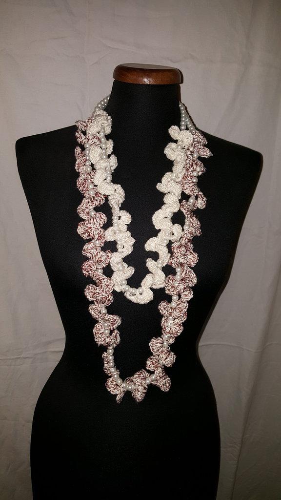 collana perle bianche e pizzo bianco e lamè rosa antico