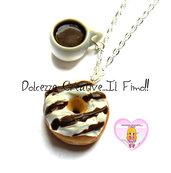 Collana Tazza di cioccolata calda con donut cioccolato bianco e al latte