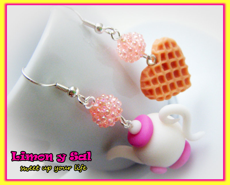 Cute tea pot and heart biscuit earrings alice in wonderland polimer clay tea party