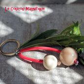 Portachiavi pop - rosso con perle beige