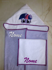 Set accappatoio a mantello My Little Pony (Twilight Sparkle) + asciugamano mani/viso personalizzato