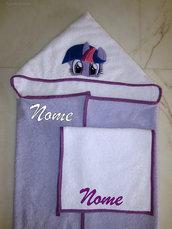 Set accappatoio a mantello My Little Pony (Twilight Sparkle) + asciugamano mani/viso personalizzato