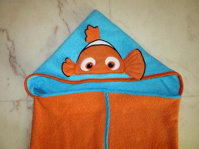 """Accappatoio a mantello """"Alla ricerca di Nemo"""""""