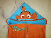 """Accappatoio a mantello """"Alla ricerca di Nemo"""" personalizzato"""