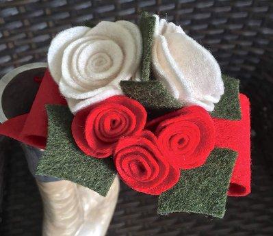 Cerchietto per capelli con fiocco e rose in feltro