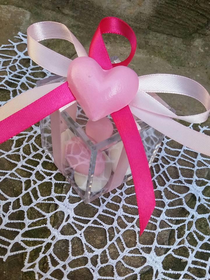 bomboniera cuore rosa dipinto a mano