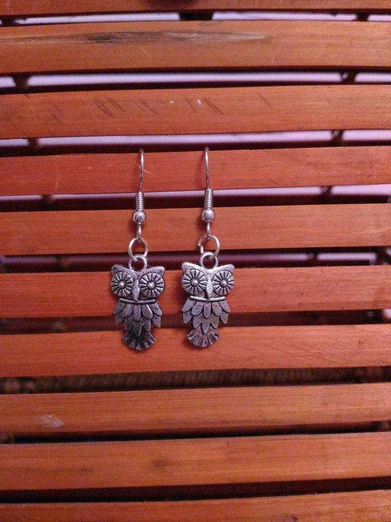 Orecchini pendenti gufo  in metallo portafortuna