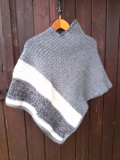 poncho lana nuovo fatto a mano uncinetto