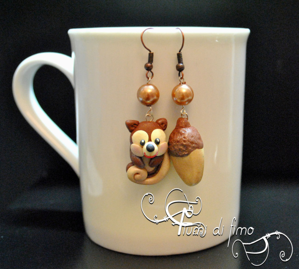 orecchini fimo  orecchini autunno fimo  orecchini autunno  orecchini pendenti  gioielli fimo   polymerclay earrings  orecchini scoiattolo  orecchini ghianda  gioielli autunno  autunno 