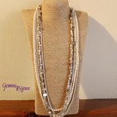 Collana multifile con madreperla e perle bianche