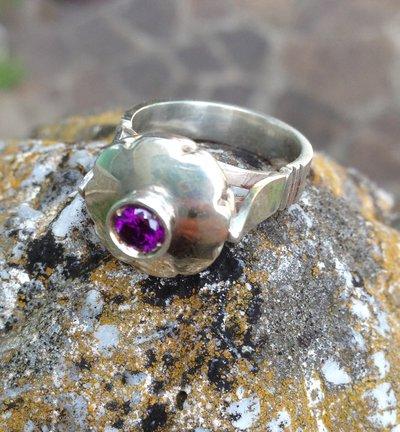 Anello antico pietra viola