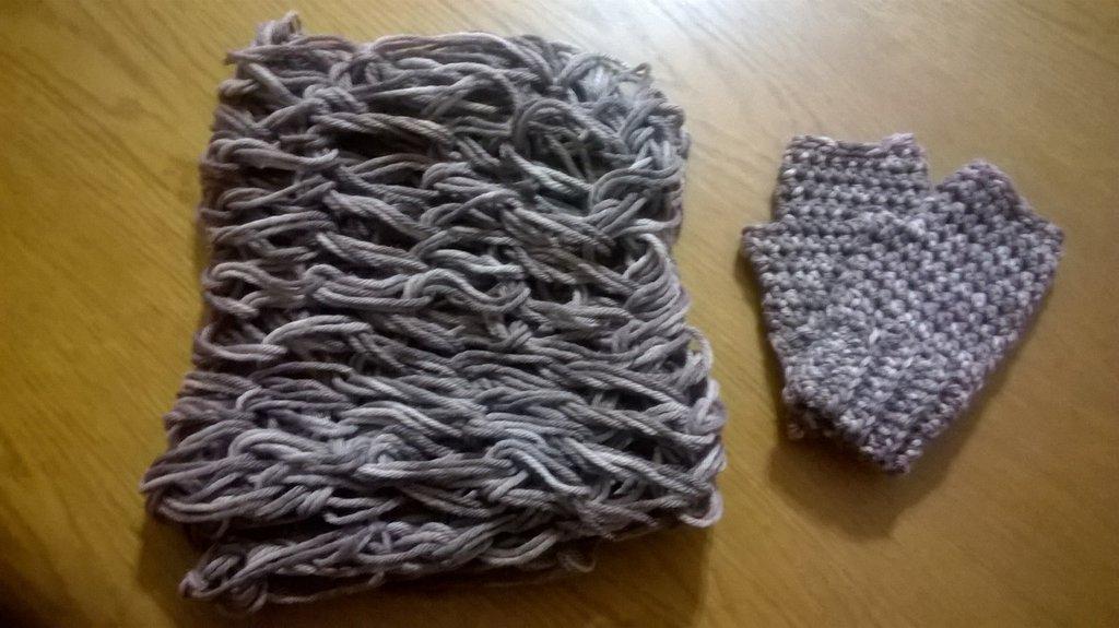 sciarpa e guanti