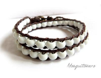 Bracciale con perline in ceramica bianche da 6mm in stile chan luu a doppio giro