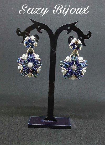 STARLING: Orecchini a perno in tessitura di perline Blu e Argento