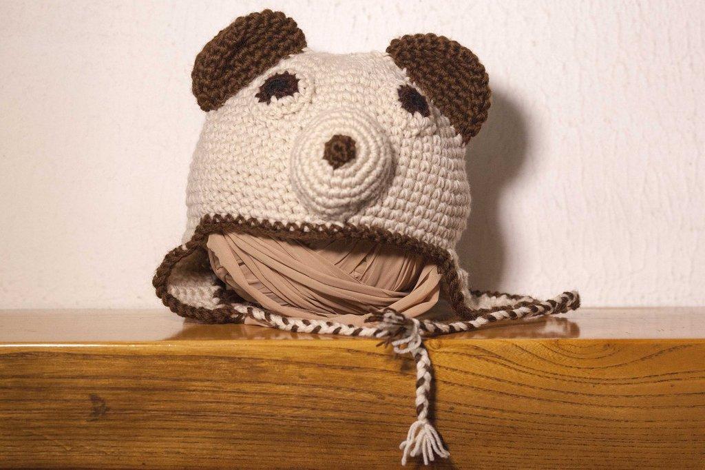 Cappellino a forma di orsetto realizzato in lana acrilica creato sia per neonato che per bambino ragazzo e adulto simpatica idea regalo natale