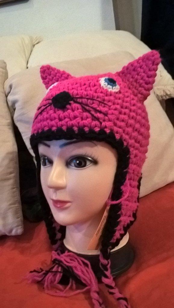 Cappellino a forma di gattino realizzato in lana acrilica creato sia per neonato che per bambino ragazzo e adulto simpatica idea regalo natale