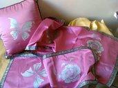 set cuscini e centrini dipinti a mano