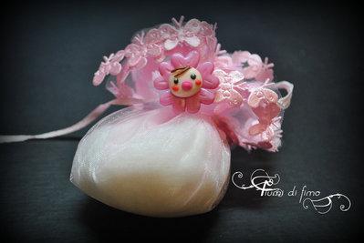 bomboniera battesimo  battesimo fimo  bomboniera fimo  bomboniera nascita  decorazioni sacchetti  decori sacchetti porta confetti  bomboniera bebè  bomboniera coniglietto  bomboniera orsetto 