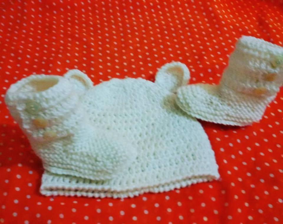 Cappellino e stivaletti TIPO UGG NEONATO  uncinetto battesimo