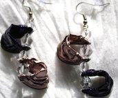 Orecchini pendenti fatti a mano viola e rosa e perle vetro