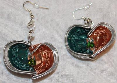 Orecchini pendenti a cuore cialde verde e arancio salmone