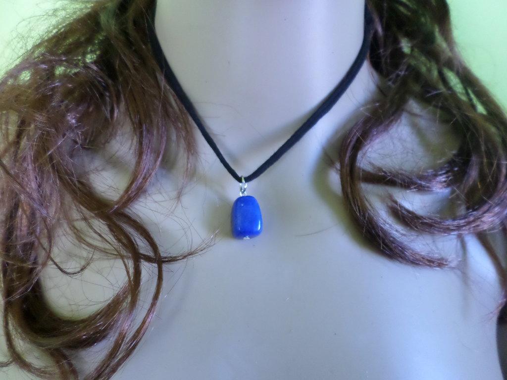 girocollo donna con pietra di zaffiro