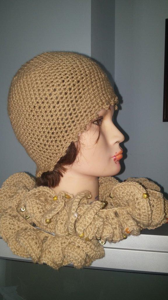 Cappello e sciarpa in lana misto merinos beige