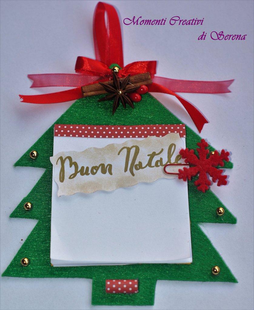 Porta blocchetto in feltro a forma di albero di Natale