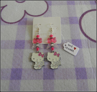 Orecchini con charms Hello Kitty angioletto smaltati + fimo + uncinetto