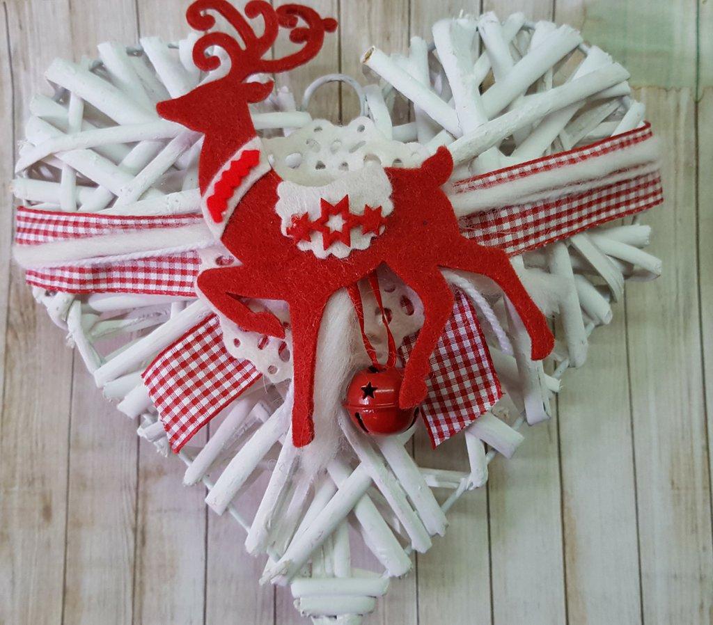 Cuore natalizio con renna