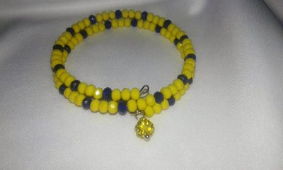 Bracciale filo armonico mezzi cristalli gialli e blu con ciondolo