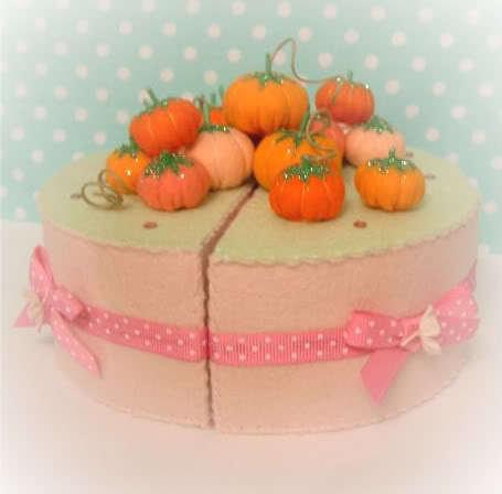 fabulous felt food halloween felt cake