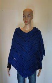 Poncho donna in lana fatto a mano