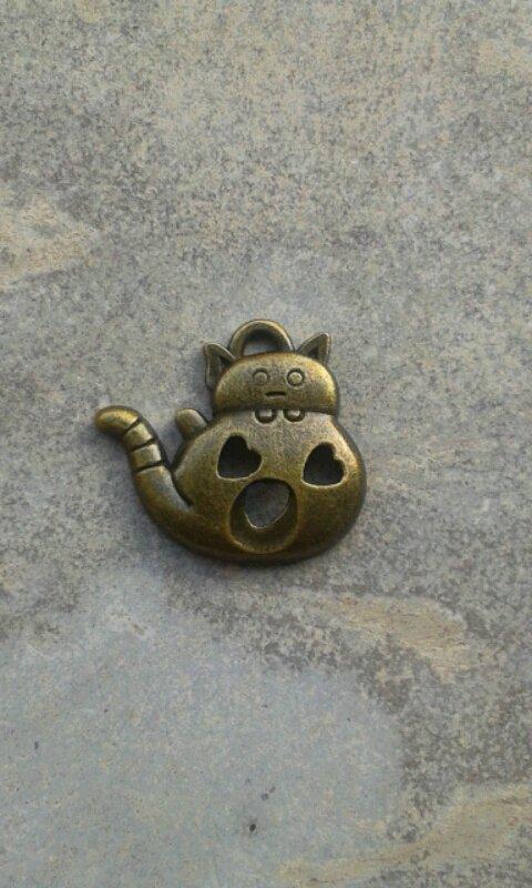 3 charms gattini bronzo 21x24mm circa