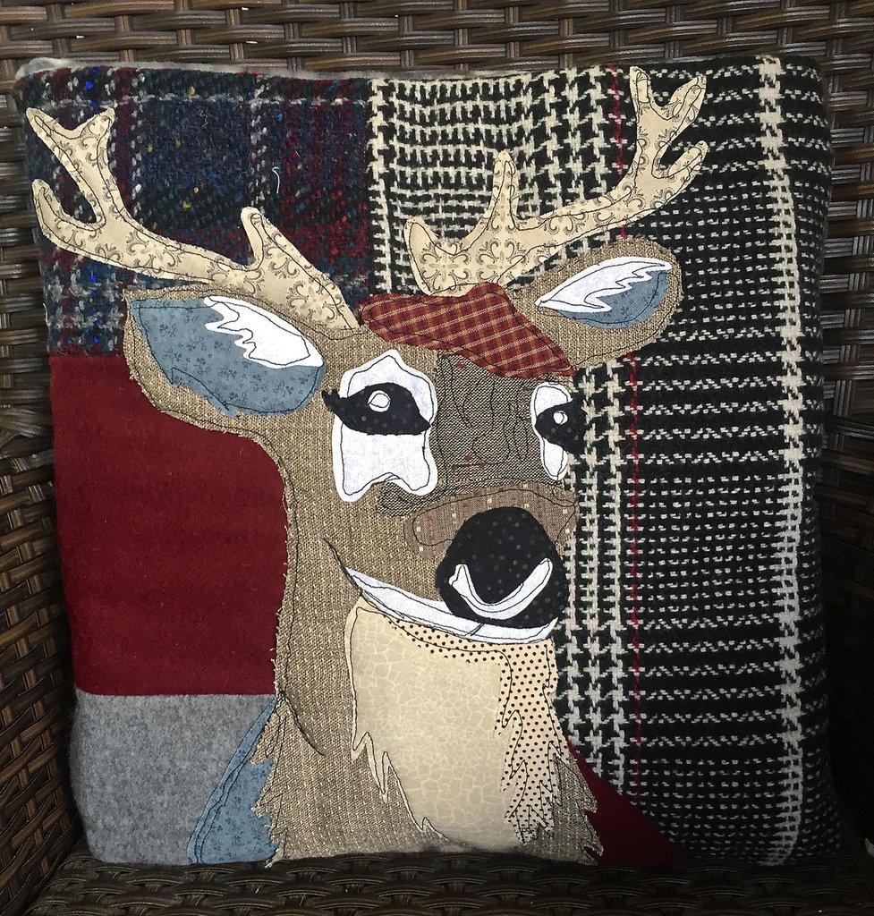 cuscino quillow cervo - un cuscino con dentro un plaid