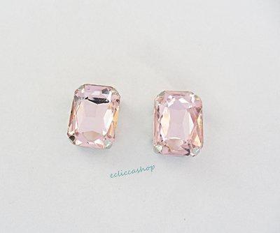 Pietra  in cristallo colore rosa antico. Castone in metallo nikel free 1pz