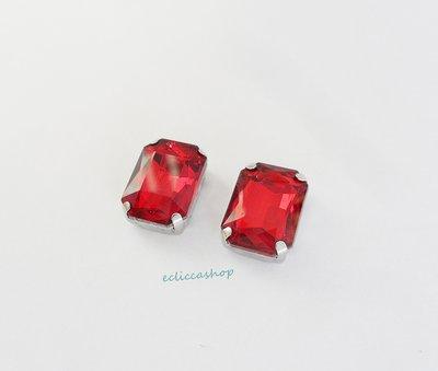 Pietra  in cristallo colore rosso rubino. Castone in metallo nikel free 1pz