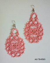 Orecchini rigidi in pizzo chiacchierino Coral Pink Med. con perline OP1CPM20C