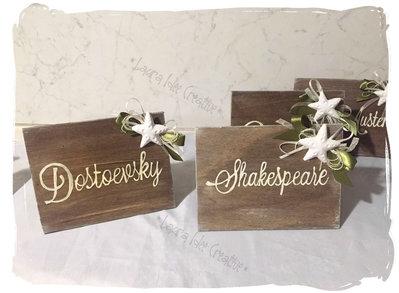 Cartelli in legno segnatavoli per matrimonio - Cavalieri da tavolo in stile country chic