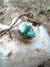 robin's eggs blue / uova azzurre di pettirosso in fimo racchiuse in una bolla di cristallo terrarium pendant (small)