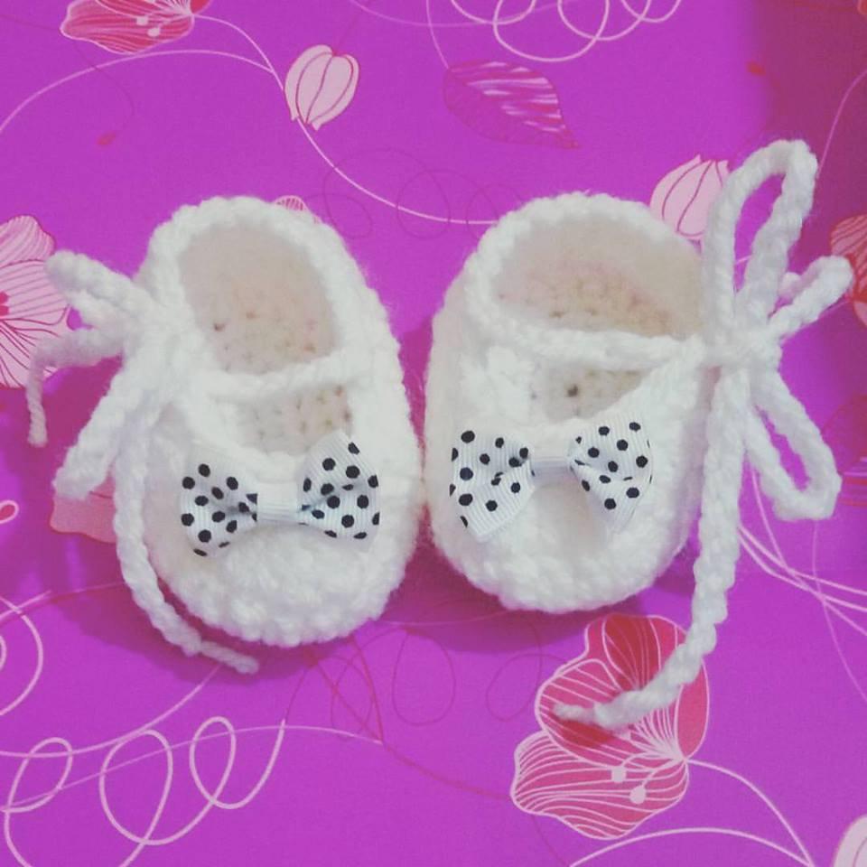 Scarpette scarpine  neonato uncinetto bianco