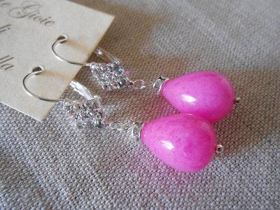 Orecchini pendenti con rombo di strass e goccia di agata rosa , idea regalo.
