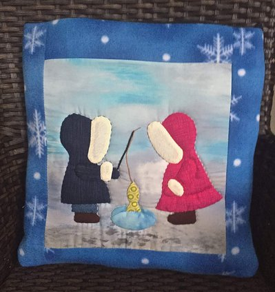 Cuscino quillow con Sue e Bill che pescano